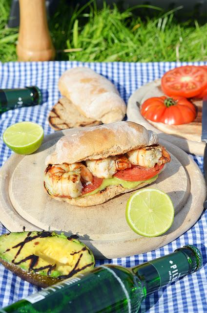 Grill Sandwiches mit Huhn und Garnelen mit dem Char-Broil Gasgrill Grill2Go® X200