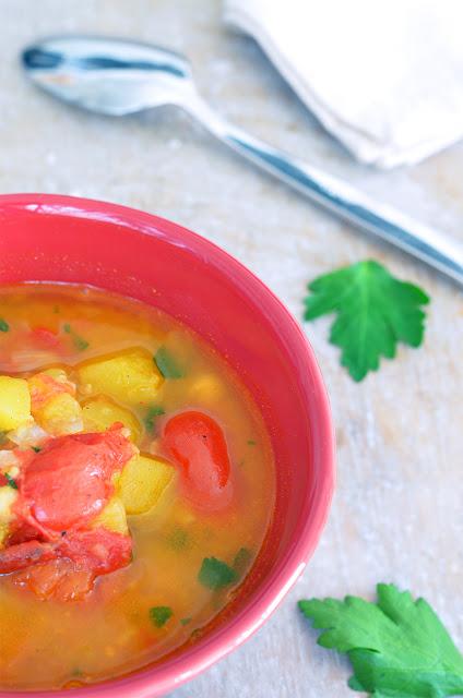 Kürbiseintopf mit Tomaten und Kichererbsen