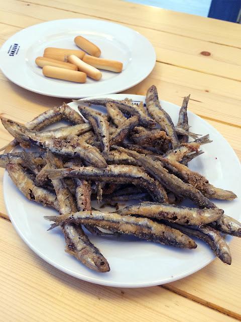Boquerones Fritos - frittierte Sardinen