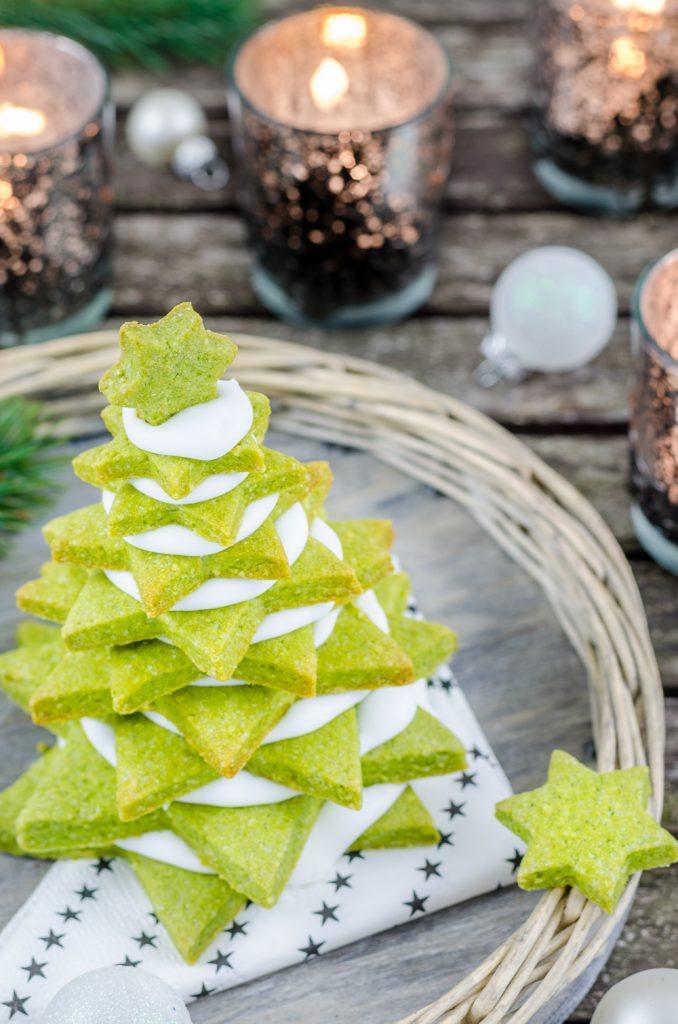 Matcha-Plätzchen-Tannenbäume