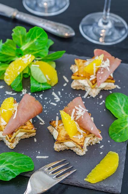 Winterliche Canapées mit Steckrübe, Orangen-Trüffel Mayonnaise und Bresaola