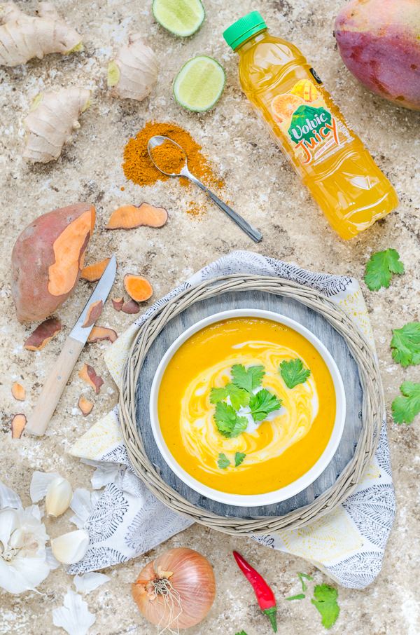 Süßkartoffel-Curry-Suppe mit Mango cremig vegan lecker